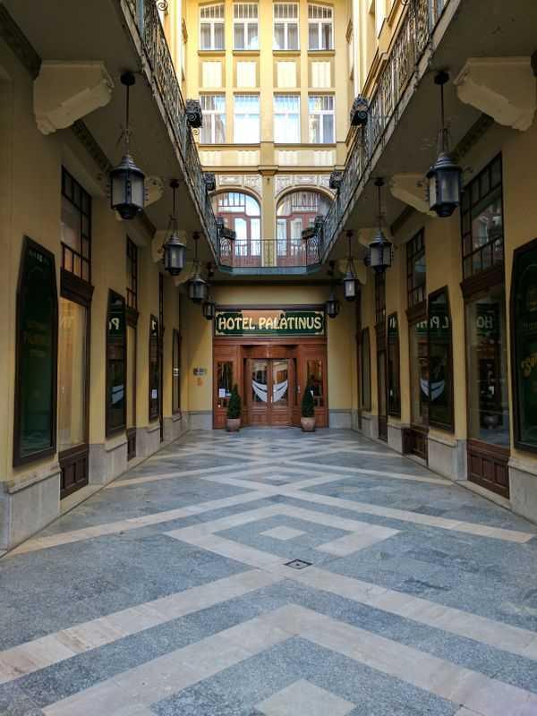 Hotel Palatinus City Center Pécs Entrance